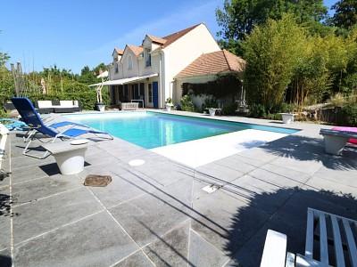 MAISON A VENDRE - MARGENCY - 207,76 m2 - 744000 €