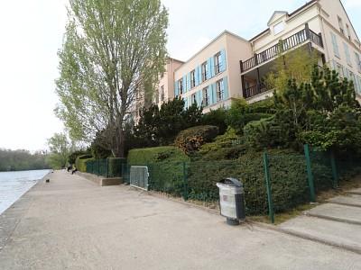 Appartement 3 pièces - 2 chambres - Avec Terrasse A VENDRE - CERGY Port Ham-village - 74,1 m2 - 320000 €